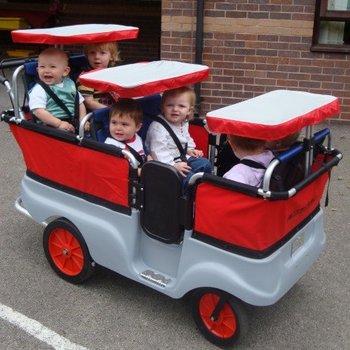 Winther 6 - persoons Kiddy-Bus om veel kinderen in te vervoeren