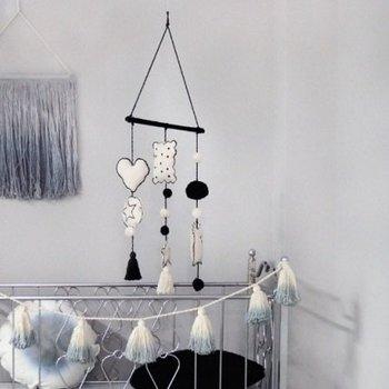Lorena Canals Katoenen muurdecoratie Hanging baby