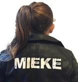 Imitatieleren jas bedrukt met naam of andere tekst