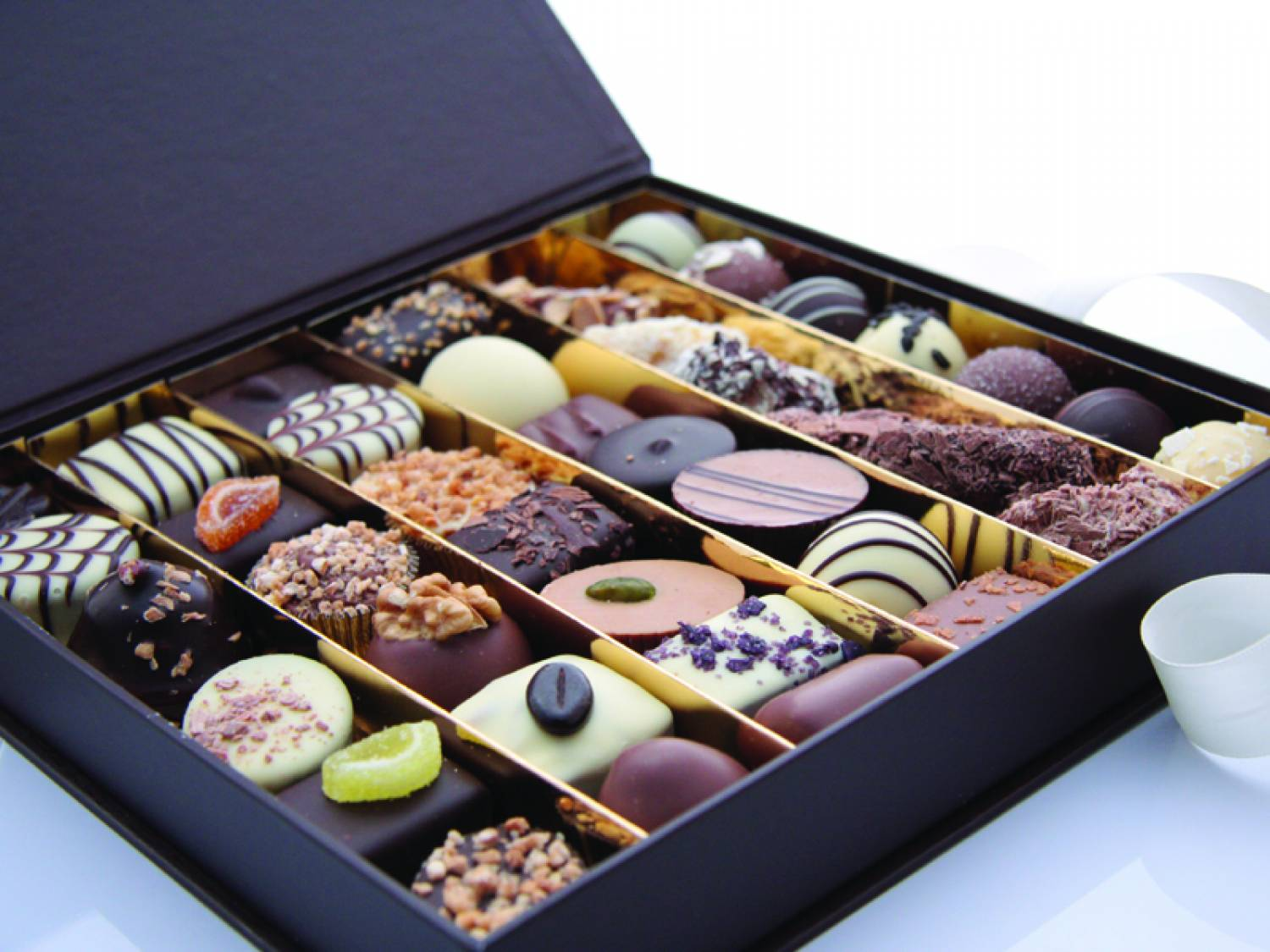 Château Blanc Assorted Belgian Chocolates DELUXE - 1 kg ...