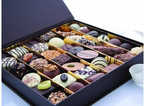 Château Blanc Assorted Belgian Chocolates DELUXE - 750 gr