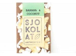 SJOKOLAT A bar of milk chocolate with banana and coconut
