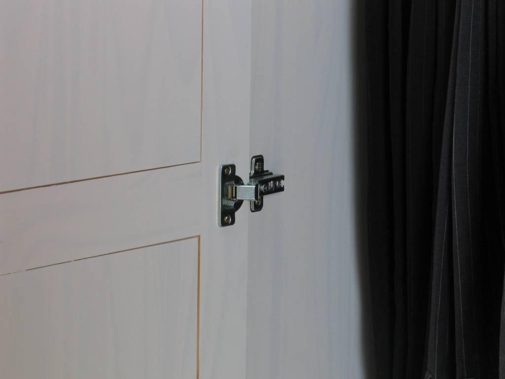 Witte kledingkast Oslo 2deurs - hioshop.nl - online meubels - goedkope ...