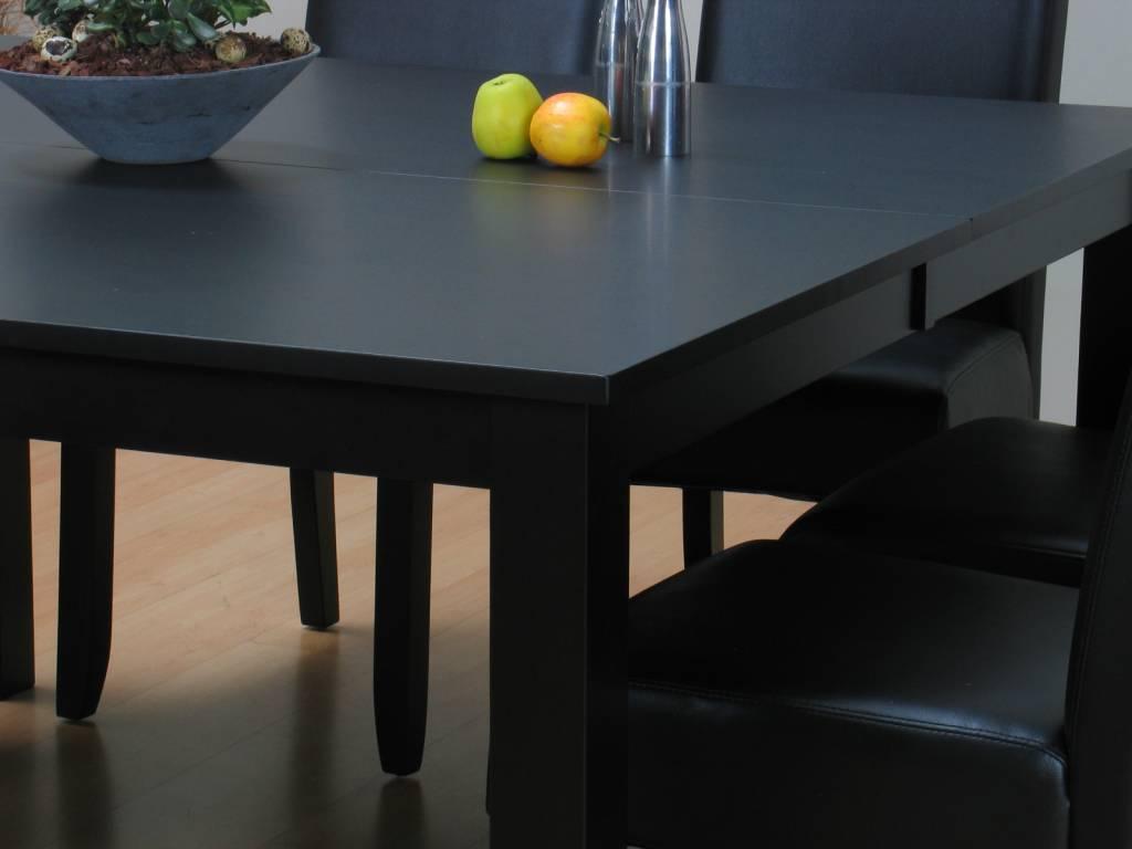 Eethoek zwart tafel met 8 stoelen