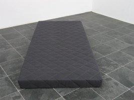 Grijze schuimmatras met afneembare tijk 90x200 cm
