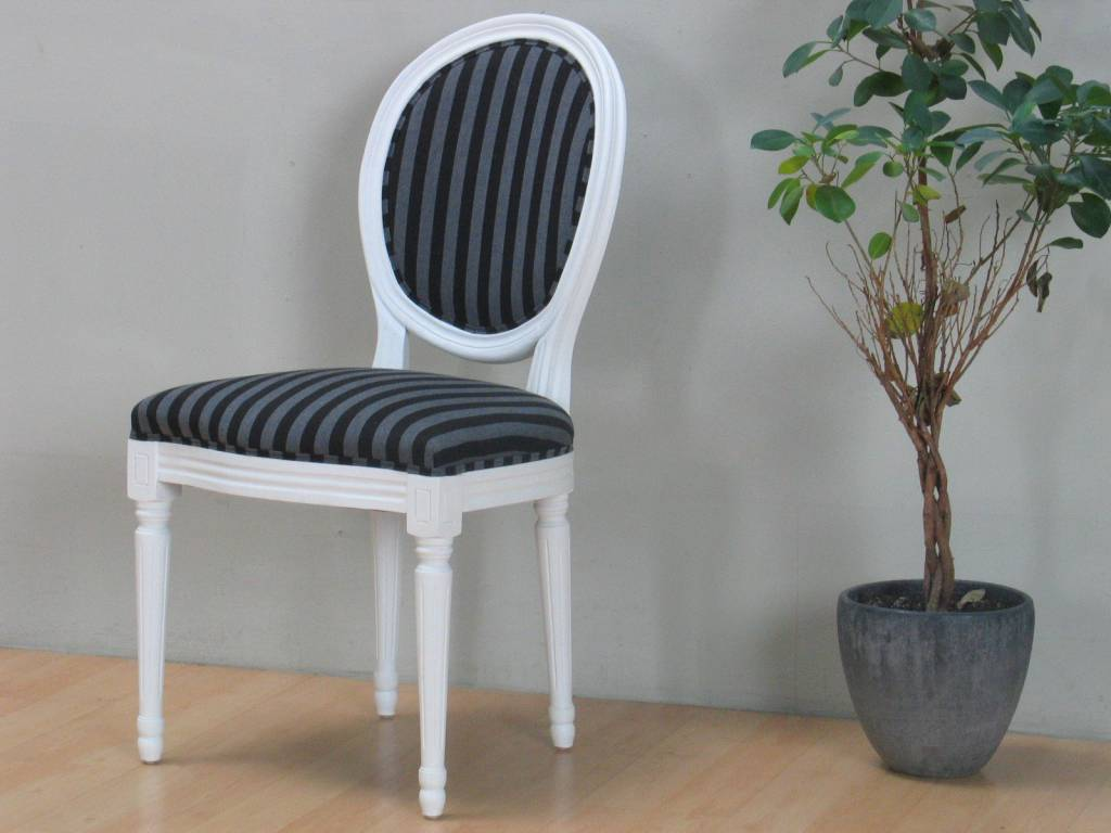Venetië eethoek wit 180/276 x 95 met 6+2 barok stoelen wit-zwart ...