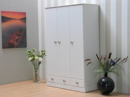 Garderobekast 3-deurs wit Barlett 119x181x50 cm