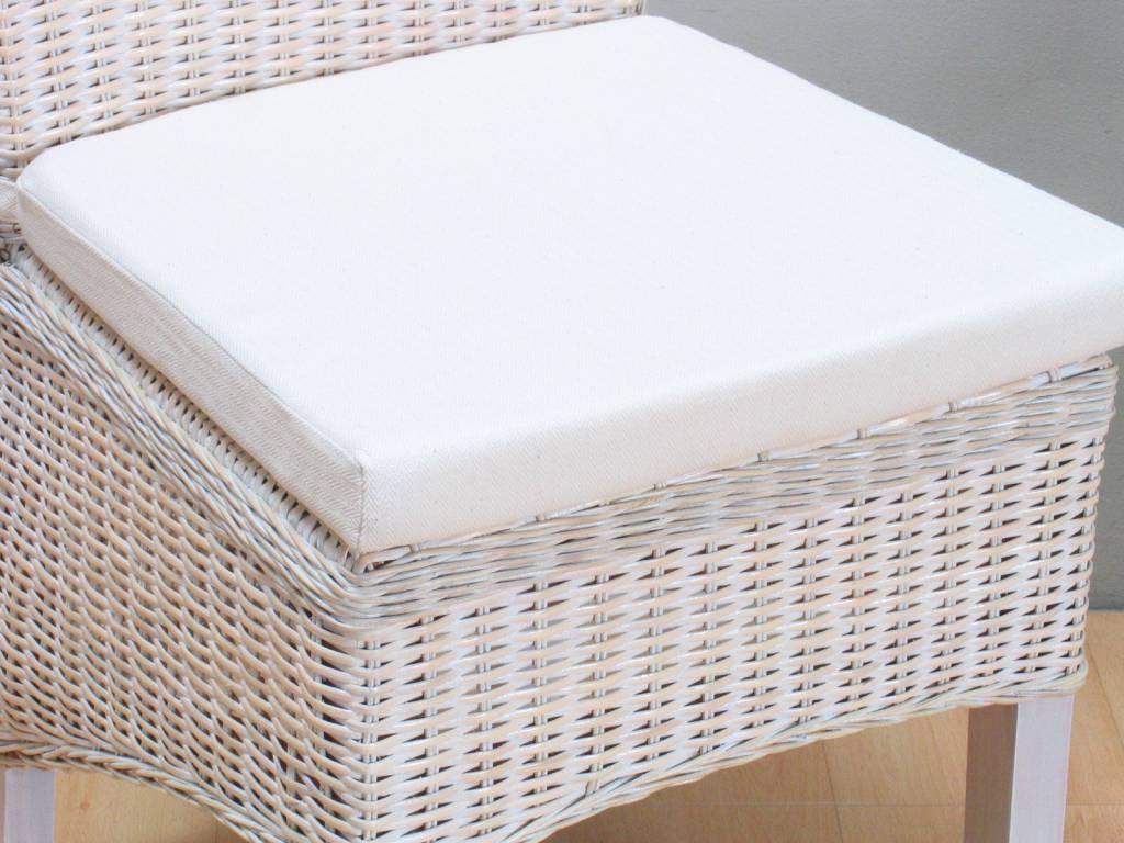 Stoelkussen off white  ecru voor rotan stoel Larissa   hioshop nl   online meubels   goedkope meubels