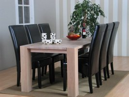 Eethoek eiken Grand tafel met 6 zwarte stoelen Thor