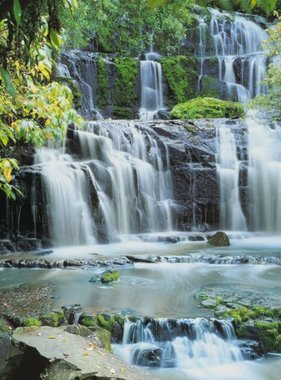Komar fotobehang Pura Kaunui Falls 8-256