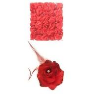 Rode bloem op speld