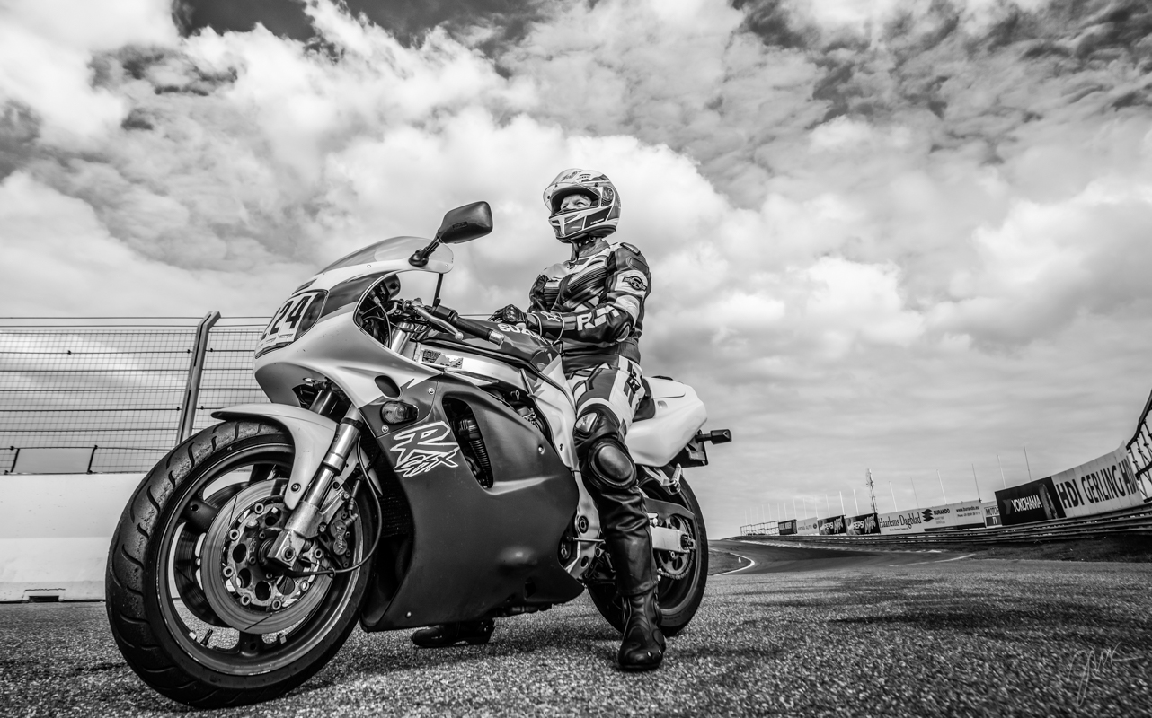 Racebiker
