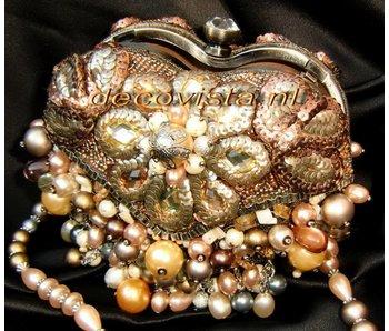 Mary Frances Take Heart - Mary Frances handbag / minibag