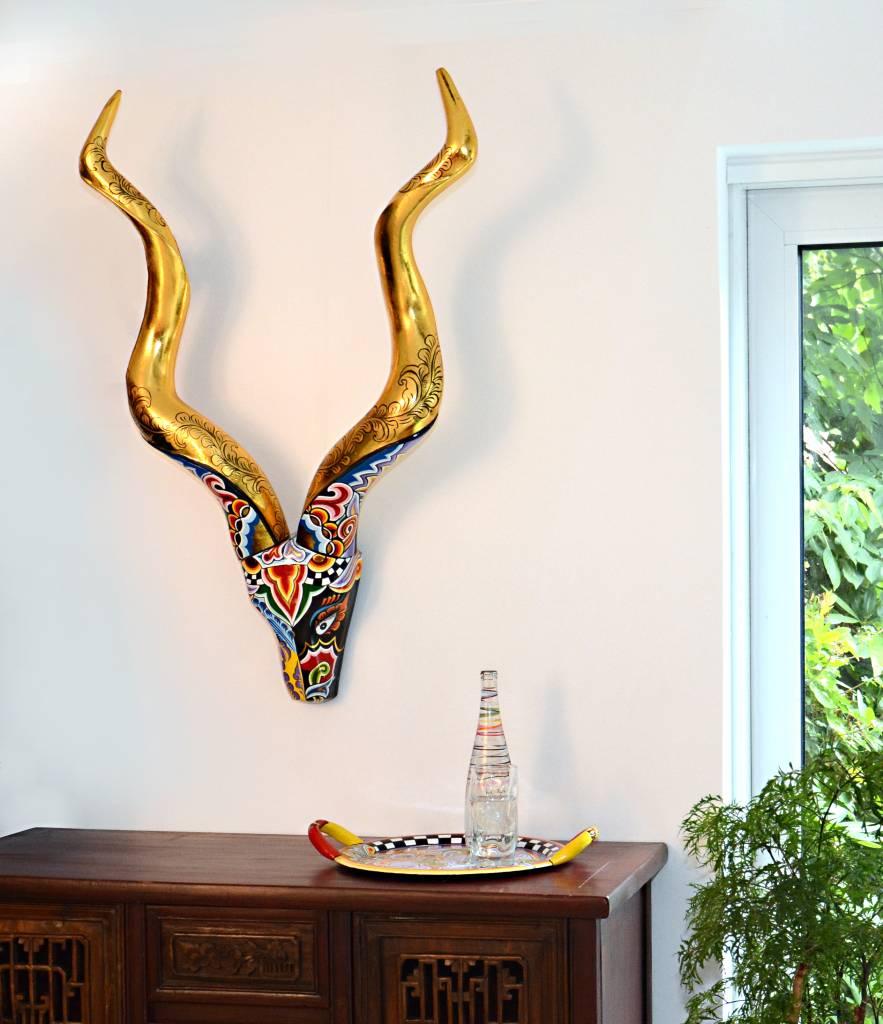Toms drag gewei drag hoorns decovista kleurrijke for Decoratie hertengewei