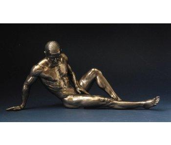 BodyTalk Athletic bodybuilder leaning back