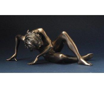 BodyTalk Female nude statue - pushing off