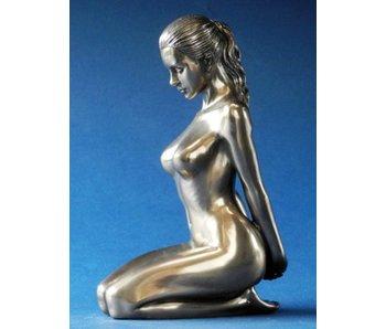 BodyTalk Vrouwelijk naaktsculptuur, kniezit, gebronsd beeldje naakt meisje  BodyTalk - L