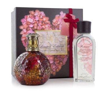Ashleigh & Burwood Special: Romance Geschenk Set Duftlampe Rosebud mit Essence Öl