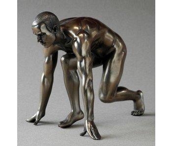 BodyTalk Runner in start position, nude statue