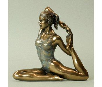 BodyTalk Yoga figurine woman  Eka pada Rajahapitasana