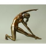 BodyTalk Yoga beeldje vrouw  Utthia Trikonasana