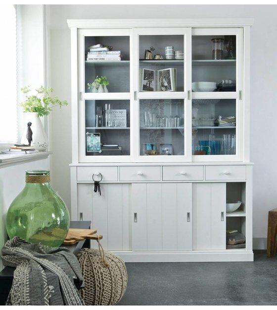 Mooie Woonkamer Kast: Grijze kasten op maat door meubelmaker naast ...