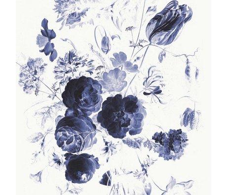 KEK Amsterdam Tapete Royal Blue Flowers I mehrfarbige Papierbahn 194,8x280cm