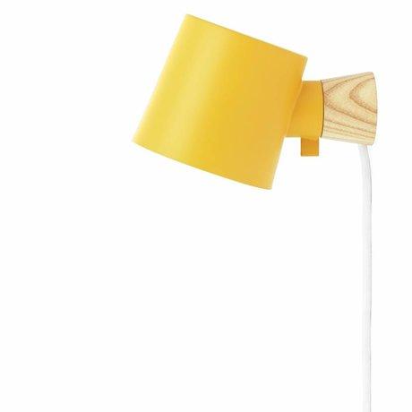 Normann Copenhagen Wall lamp Rise yellow metal timber 9,7x17x10cm
