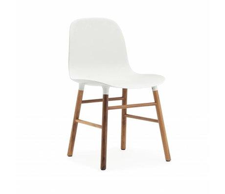 Normann Copenhagen Form-Stuhl aus weißem Kunststoff Nussbaumholz 78x48x52cm