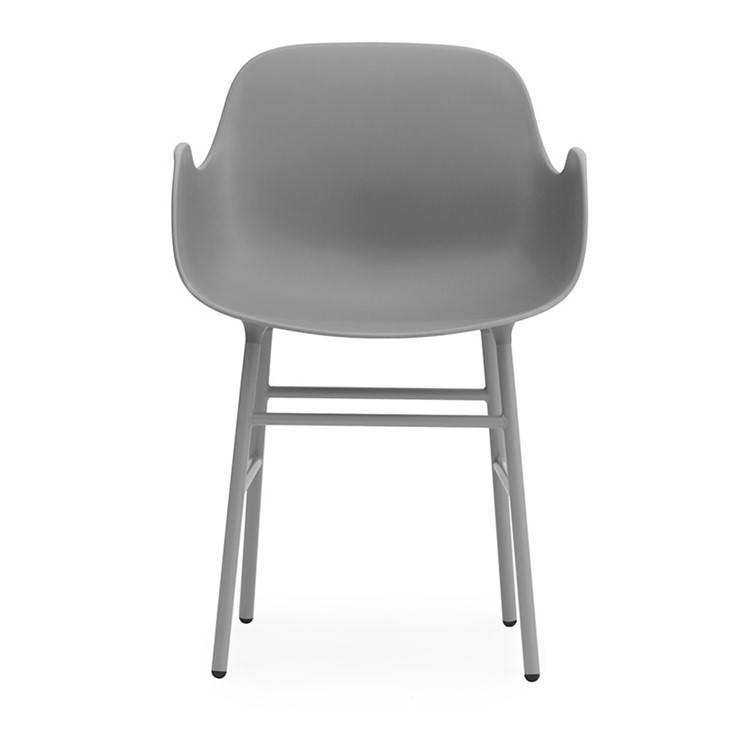 Normann copenhagen stoel met armleuning form grijs for Stoel met armleuning