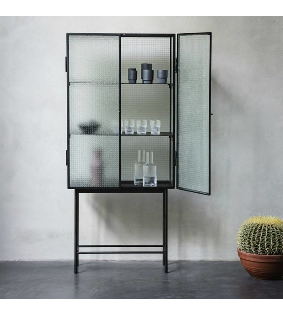 ferm living kast haze vitrine zwart metaal glas 70x155x32cm. Black Bedroom Furniture Sets. Home Design Ideas