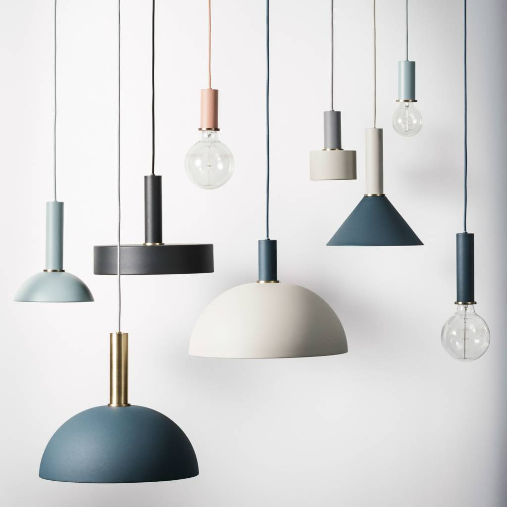 ferm living lampe suspension d me haute m tal dor en. Black Bedroom Furniture Sets. Home Design Ideas