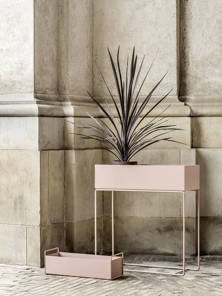 ferm living plant box roze metaal 60x25x65cm. Black Bedroom Furniture Sets. Home Design Ideas