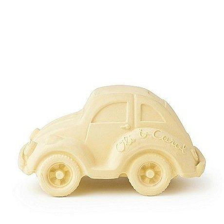 Oli & Carol Badspeeltje auto vanille geel natuurlijk rubber 6x10cm