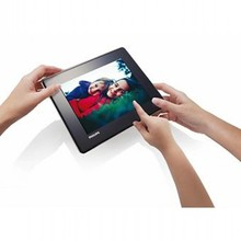 Philips Digital Photo Frame with 8 inch multimedia screen