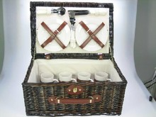 "Lifestyle collectie │ Dark brown wicker picnic basket ""Paris"" (complete with contents for four people)"