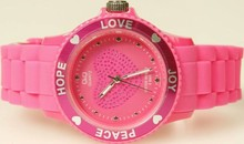 Goedkope Q&Q horloges kopen? Citizen ladies watch pink (Love, Hope, Peace and Joy)
