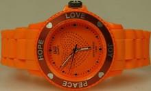 Goedkope Q&Q horloges kopen? Citizen dameshorloge oranje (Love, Hope, Peace en Joy)
