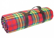 Luxury picnic rug with red tartan (size 135 x 175 cm)