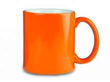 Orange mugs (with a printing of a logo, logo and / or text in one or more print colors)
