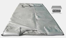Infrared Blanket with two heat zones (separately adjustable for the upper and lower body)
