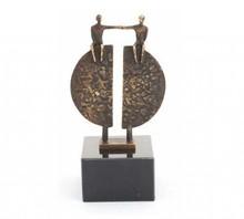 """Skulptur temaet """"Bridging"""" Ca. 15 cm høj (inkl. Base)"""