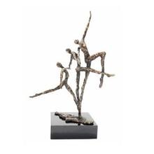 "Sculptuur met thema ""Vooruitgang"""
