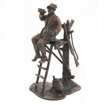 """Sculptuur met thema """"Jager op de Uitkijk"""""""