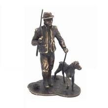 """Sculptuur """"Jager met Hond"""" (materiaal 95% tin, verbronsd)"""