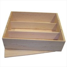 Three-compartment light wood wine boxes with a loose lid