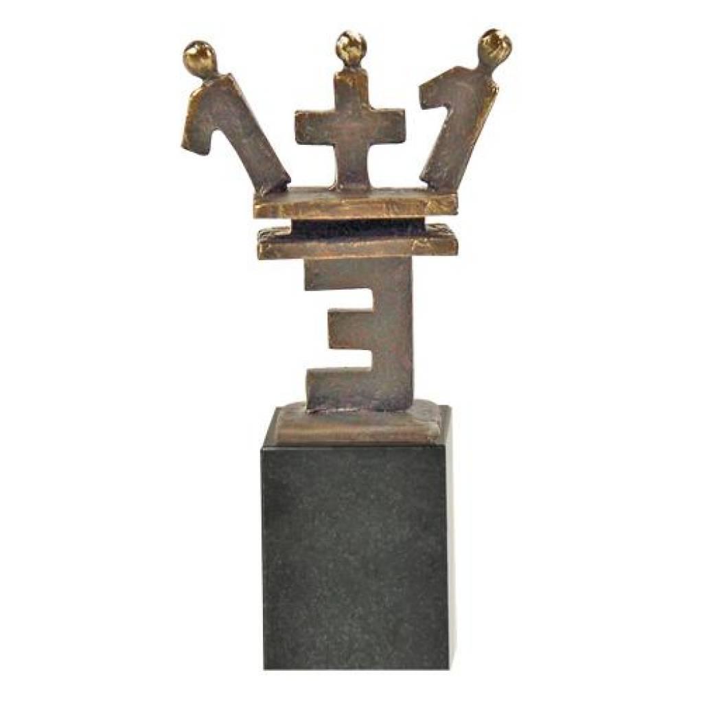 skulptur eins plus eins gleich drei skulptur 1 1 3. Black Bedroom Furniture Sets. Home Design Ideas
