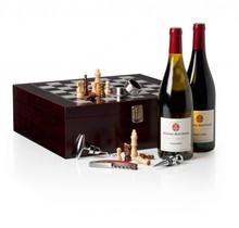 Luxe Wijnkist 'Bertholt' met wijn, schaakspel en accessoires