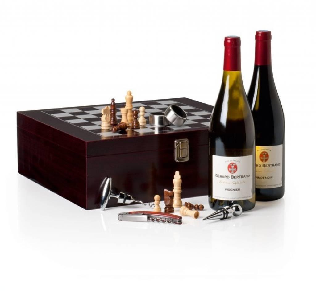 Cassa di lusso vino bertolt 39 con il vino scacchi e for Case a buon mercato in mammoth ca