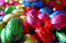 Delicious filled chocolate Easter eggs in 1 kg bag